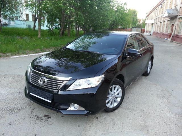 аренда чёрной Toyota Camry в Казани